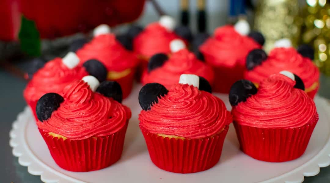 Easy Santa Mickey Cupcakes Everyone Can Make
