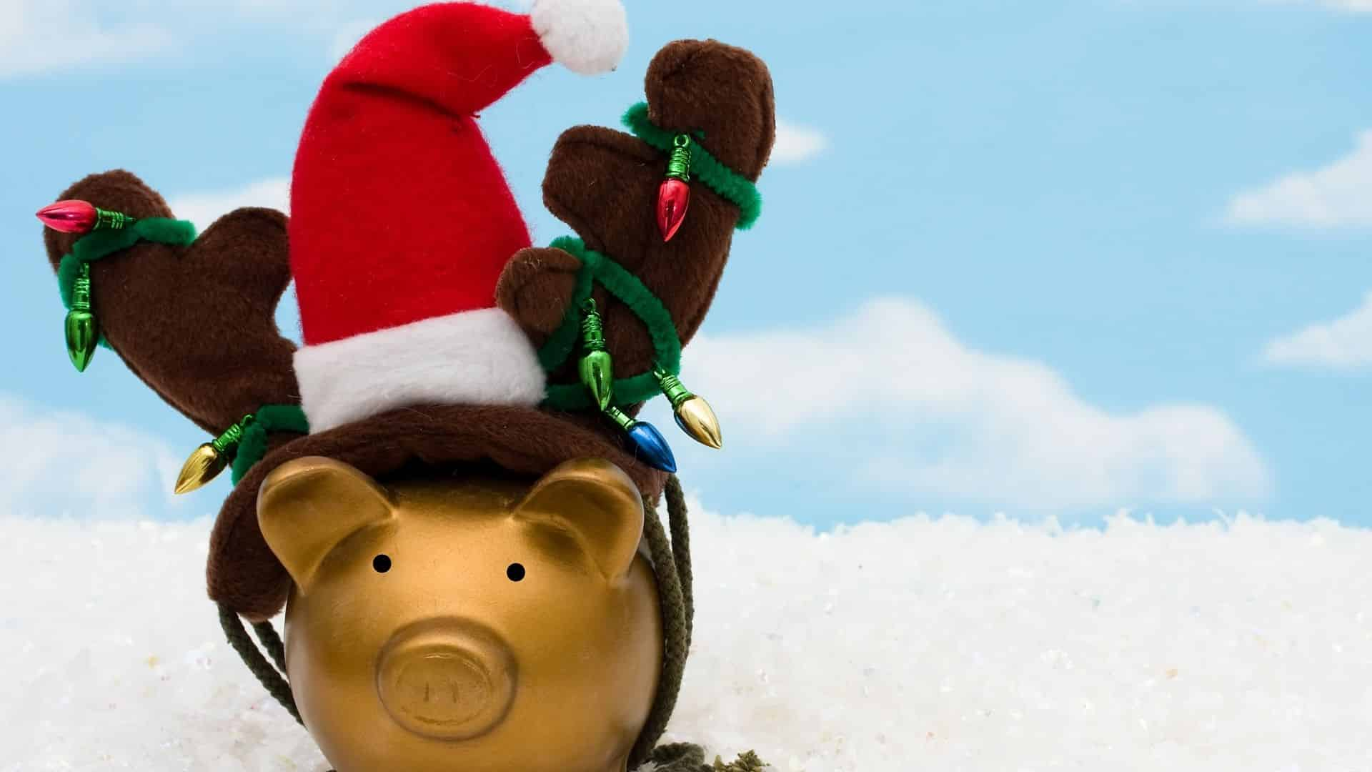 Christmas Piggy Bank To Remind You To Save Money For Christmas